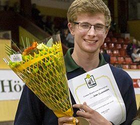 Johan Ellenrieder fick ta emot Gunnar Henriksson-stipendiet under Breeders Trophy